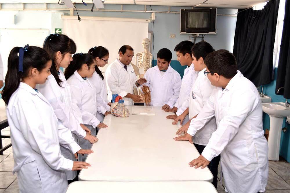 Laboratorio de ciencias - Colegio Jan Komensky